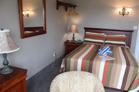 Room 202 2