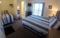 Room 212 1